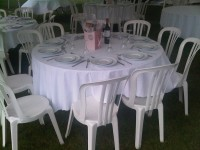 5' round table seating 10 guests